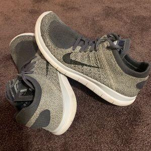 Nike free 4.0 Flyknit Wo's sz 9